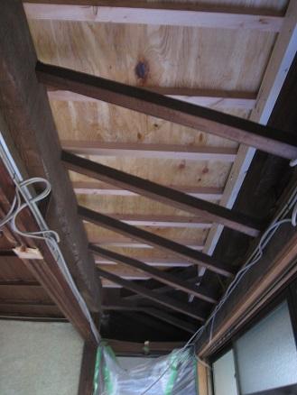 天井も一部解体