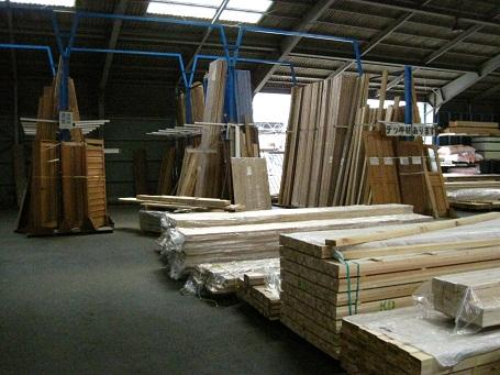 木材屋の木材