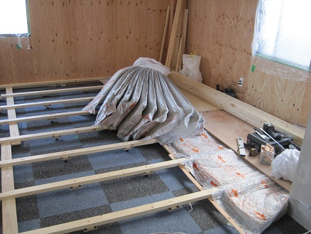 床の断熱材
