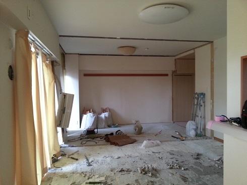 和室の壁を解体